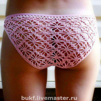 Crochet underwear, with elastic as trim. Diagrams here: (http://i073.radikal.ru/1208/10/7c0106f1f93f.jpg) or (http://www.liveinternet.ru/users/3881917/post208667536/)