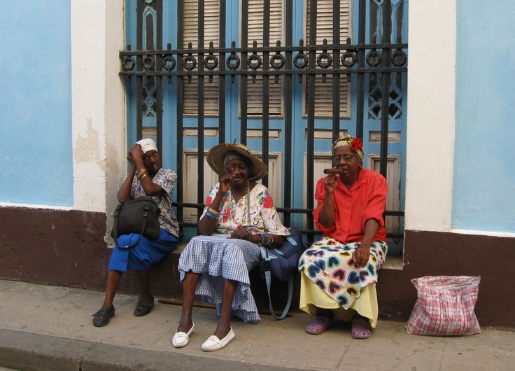 Old women smoking cigars in Havana