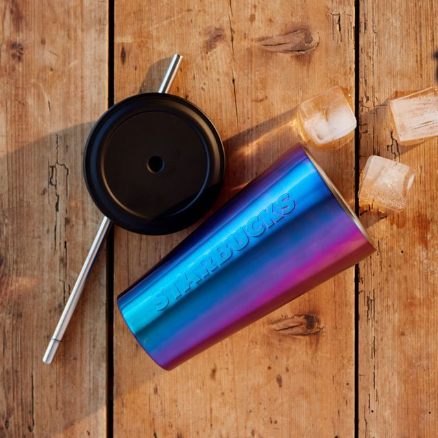 A+double-walled+stainless+steel+coffee+tumbler+with+a+chameleon+purple+color+and+gradient+finish.