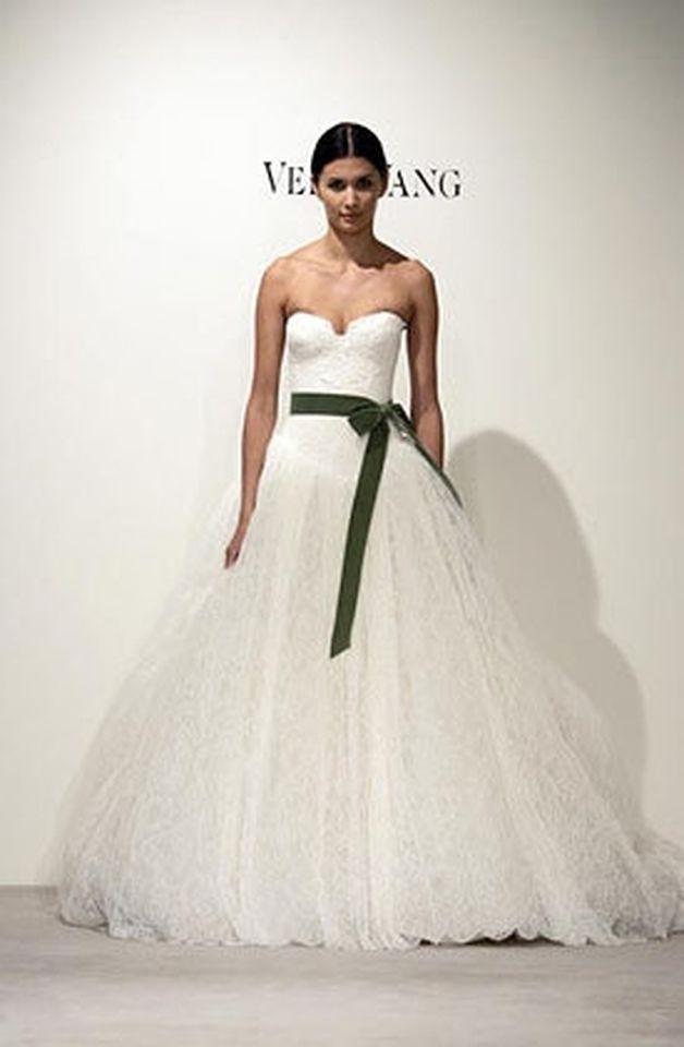 Wedding dresses vera wang bride wars