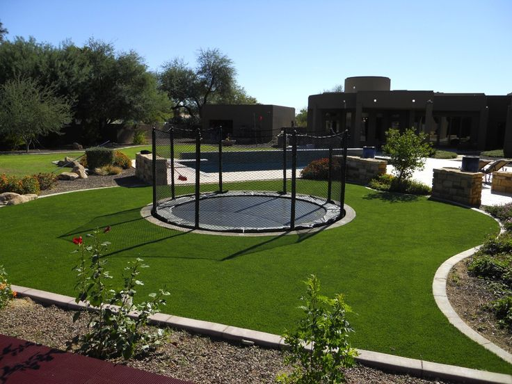 backyard sunken trampoline | Sunken Trampoline in turf with netting | Backyard gym | Pinterest ...