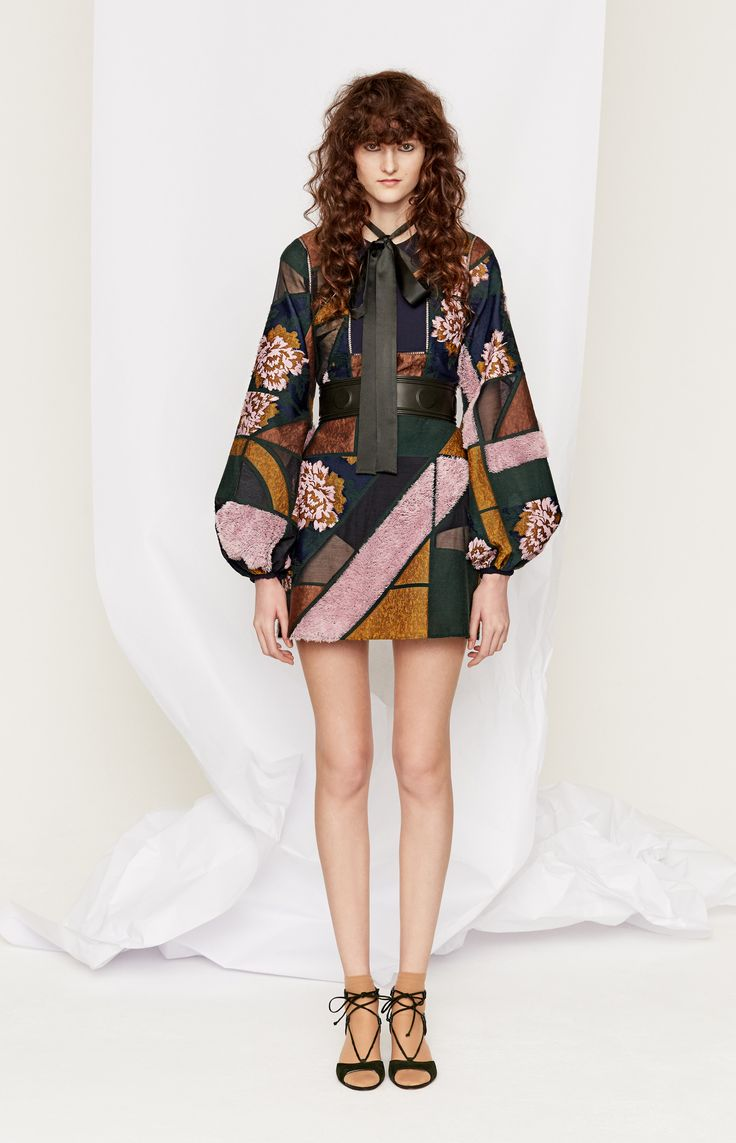 Roksanda Pre-Fall 2016 Fashion Show http://www.vogue.com/fashion-shows/pre-fall-2016/roksanda/slideshow/collection#8