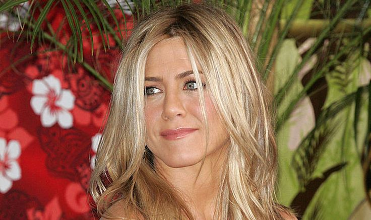 Is Jennifer Aniston Pregnant? No, But She's 'Fed Up' With Body-Shaming Tabloids - mindbodygreen.com
