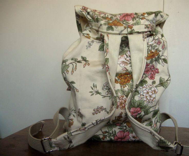 totalnie jasny z akcentem kwiatowym tył  #bag #plecaki #zet www.facebook.com/szycie.zet