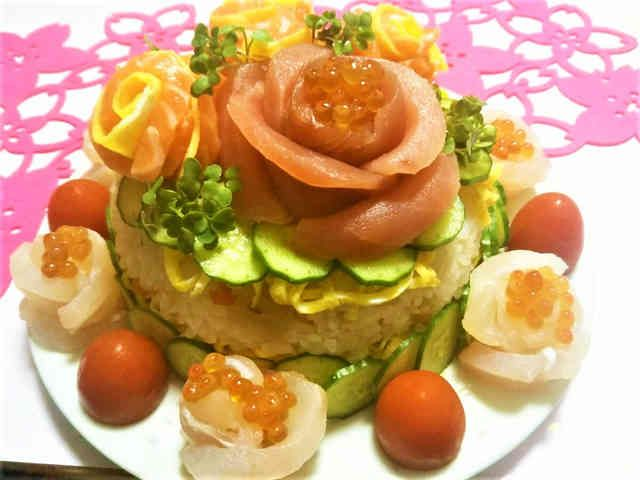 ひな祭りやお祝にちらし寿司ケーキの画像
