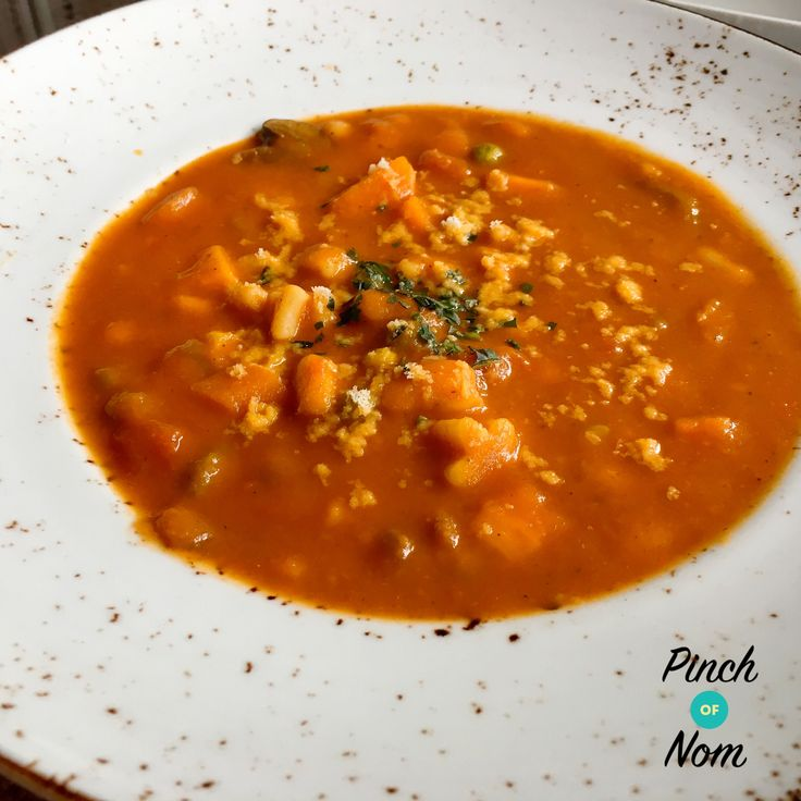 Syn Free Minestrone Soup | Slimming World - http://pinchofnom.com/recipes/syn-free-minestrone-soup-slimming-world/