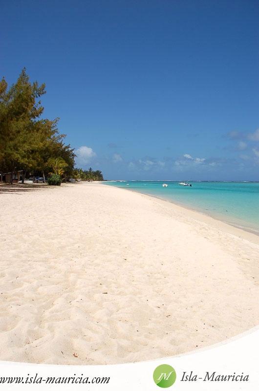Mauritius, South, Le Morne Beach.