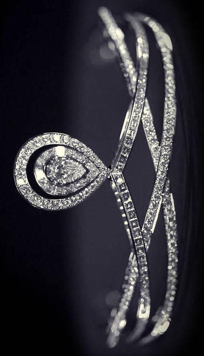 Chaumet modern diamond tiara