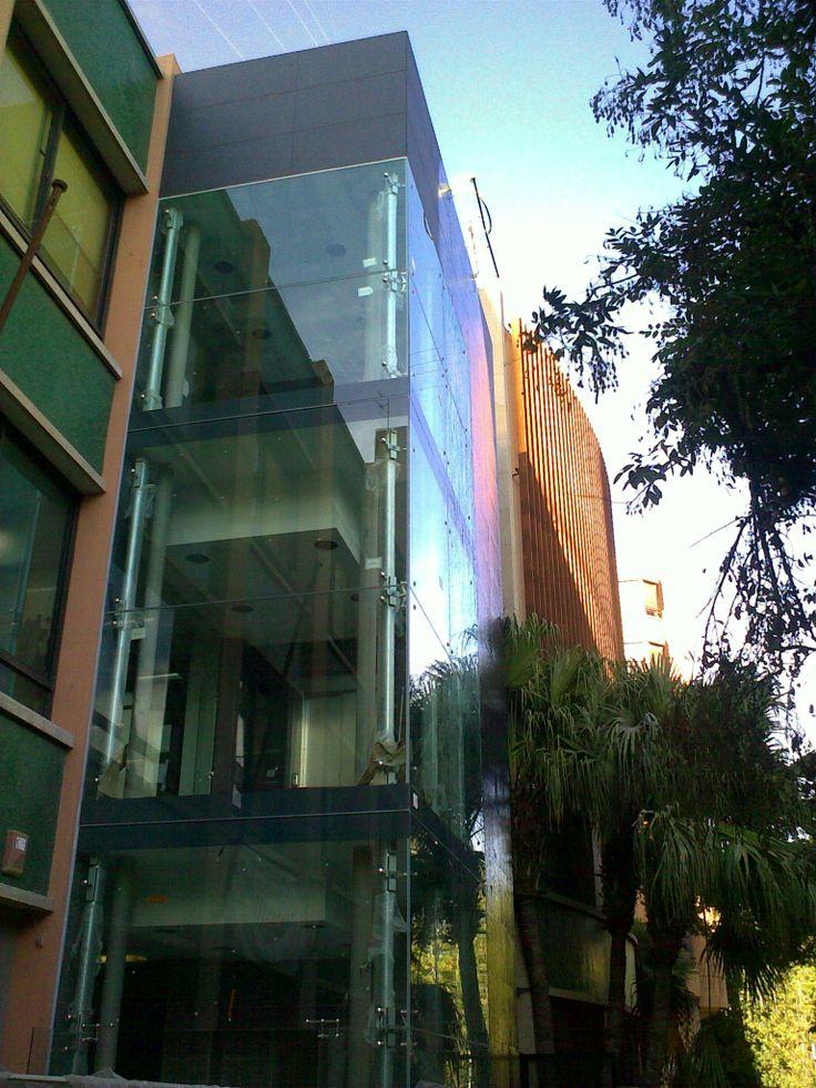 Prueba de estanqueidad de fachada.  Biblioteca Municipal de Villarreal  Escorrentia de fachada.