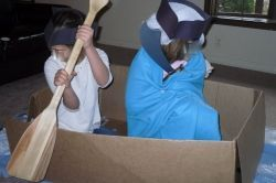 George Washington, Battle of Trenton, & Betsy Ross Lesson - This is part 4 of a 6 part hands-on unit study on the American War for Independence. Make powder horns, cook hasty pudding, reenact the crossing of the Delaware and Battle of Trenton, paint the first American flag, and more!