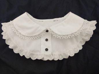 DIY bib-collar blouse