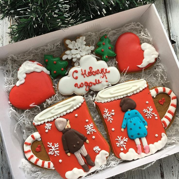 Набор кружечки 1400₽ Коробка 29*21 #cookies#sugarcookies#decoratedcookies#royalicing#icing#имбирноепеченье#пряники#подарокженщине#букет#розы#kuki#曲奇餅#쿠키#cookie#gallets#подаркидетям#сладкийподарок#сладкийсувенир#своимируками#sweet#instafood#имбирныепряникиназаказ#имбирныепряники#ginger#gingercookies#сладости#годсобаки2018#годсобаки#новыйгод#подарокнановыйгод