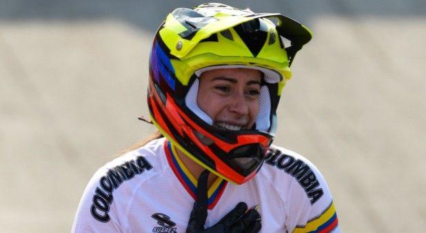 Vea, desde su propio casco, como ganó Mariana Pajón el Mundial de BMX.