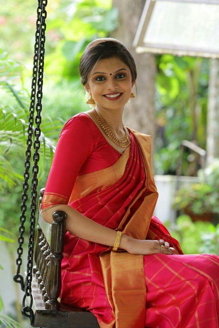 Jyothika traditional sari at shobi wedding saree blouse patterns - Beautiful Draping And Pleating Of Sari