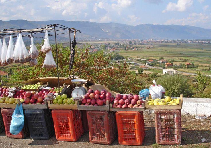 V Teleráne aj o nebezpečenstve kupovania ovocia pri cestách! Viac na http://telerano.markiza.sk/clanok/aktualne/kupujete-ovocie-pri-cestach-pozor-na-skodlive-latky.html