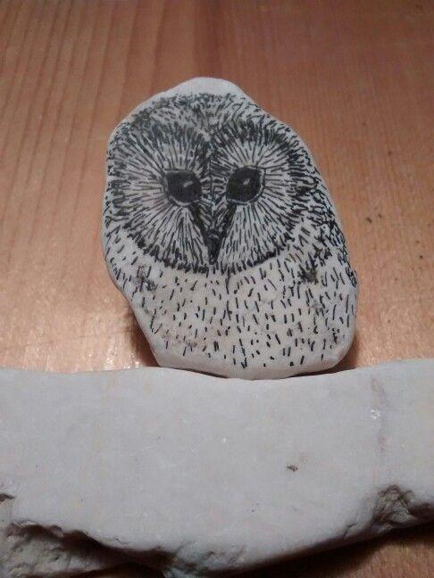 uiltje, micronpen op steen (verkocht)