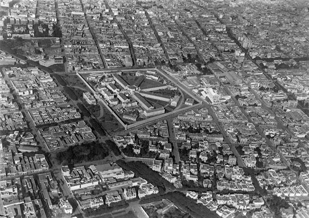 Buenos Aires en la década del 20 y el 30; Penintenciaria Nacional, hoy plaza Las Heras. Foto:/Gentileza Juan Carlos Borra