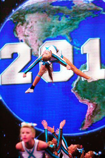 CHEER EXTREME SENIOR ELITE....... this is SSX from CEA raleigh