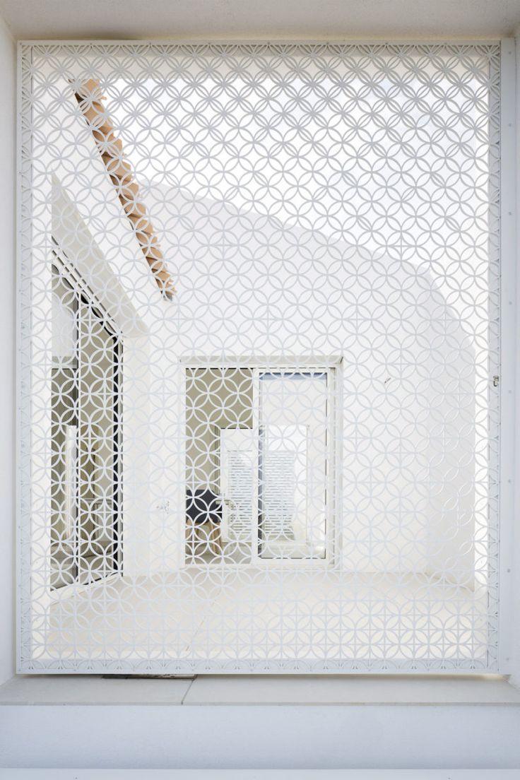 white decorative screen wall