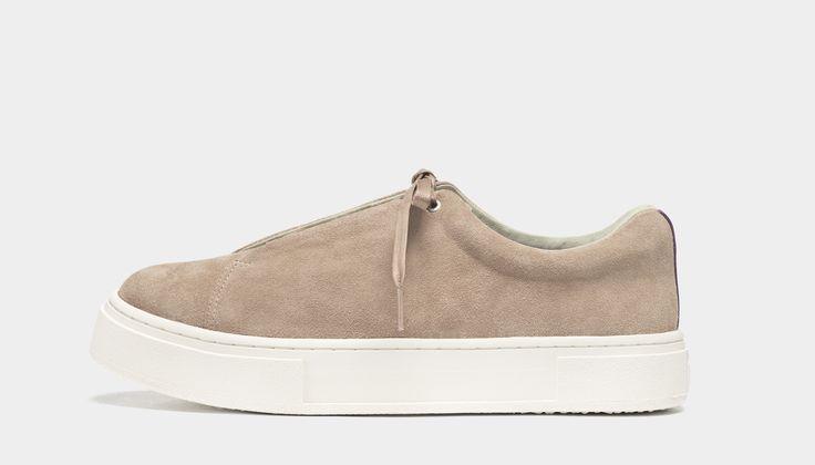 #Eytys Doja Suede Dune. Doja sneakers in a seasonal beige premium silky sued.