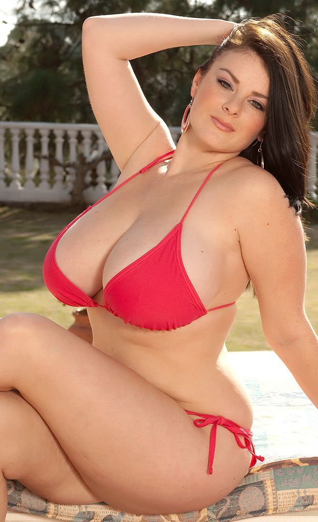 plus size hot mom photos