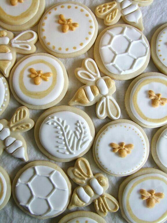elegant bee cookies