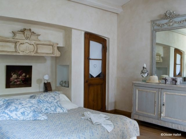 17 best french rooms images on pinterest beautiful for What does chambre mean in french