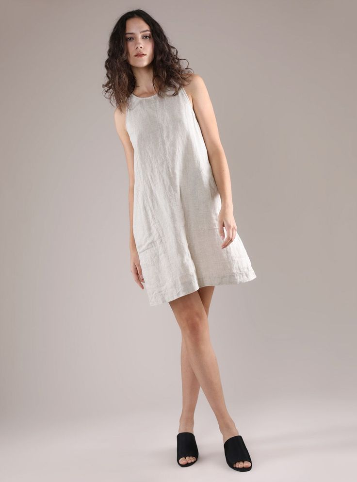 There's no way around it, you'll be feeling your breezy best in a linen dress that is the essence of summer-y good times. Light and soft, let linen be your happy place when temperatures begin to rise. Crafted from 100% Irish linen Keyhole fastening and pockets on both sides Wear true to size for a regular fit