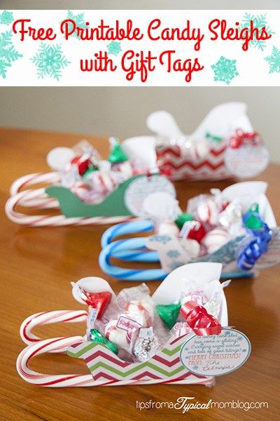 These Free Printable Christmas Candy Sleighs with Gift Tags are so fun to make with the kids! They are so inexpensive and it's what we are using for neighbor gifts, friend gifts and teacher gifts this year!