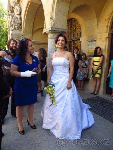 Bílé svatební šaty - vel. 44 - 1