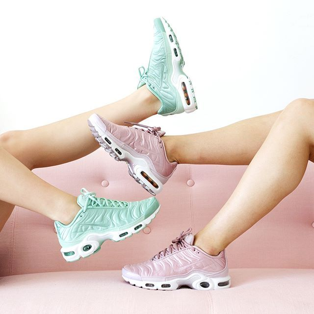 outlet store e17f6 66a29 womens nike air max tn pink green