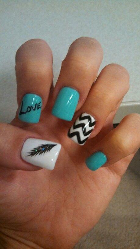 trending blue chevron nails