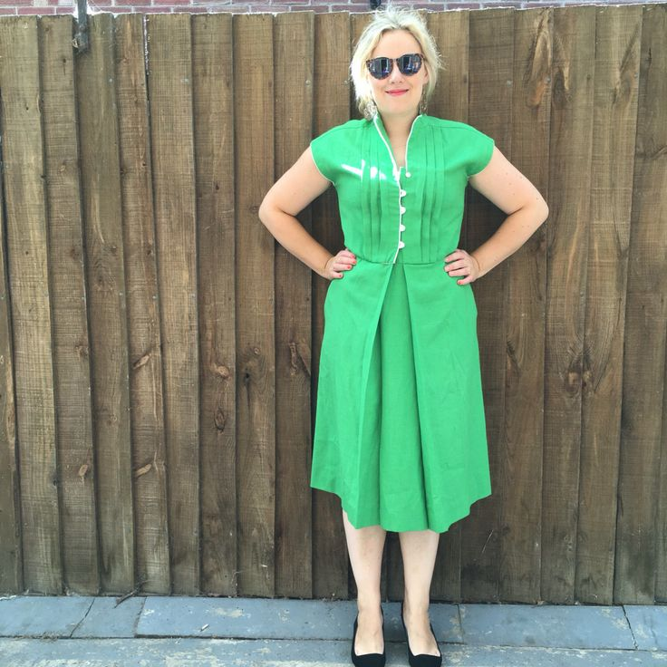 Vintage green dress / 70s green shift dress // retro green dress // Saks dress // UK 14 U.S 10 by superqueenieretro on Etsy https://www.etsy.com/ca/listing/253845133/vintage-green-dress-70s-green-shift