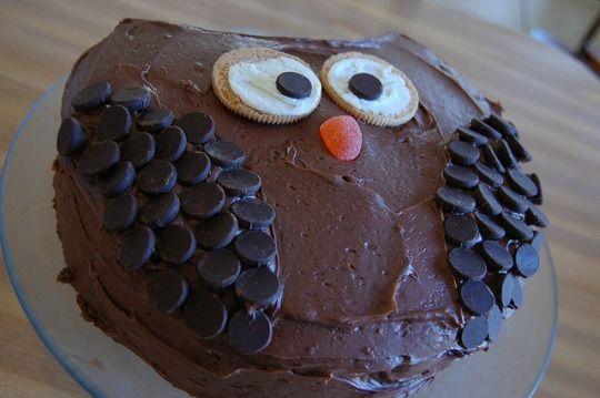 Cómo hacer una tarta sencilla con forma de Búho : La idea que compartimos hoy es muy sencilla, decorar tu tarta de forma original pero con poco trabajo y con ingredientes sencillos. Una vez tengas tu bizco