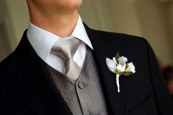 Voici quelques conseils pour rédiger votre discours de témoin et faire en sorte que les mariés soient fiers de vous avoir choisi !