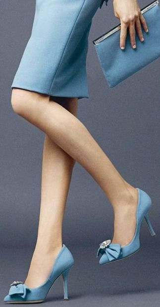 Great shade of blue.  ❤ DOLCE GABBANA 2014. Via @cattknap. #DolceGabbana #pumps