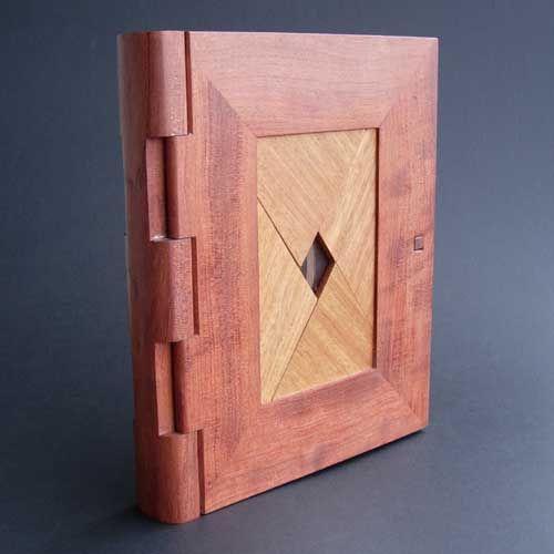 """Make a cool """"diamond lock""""puzzle book"""