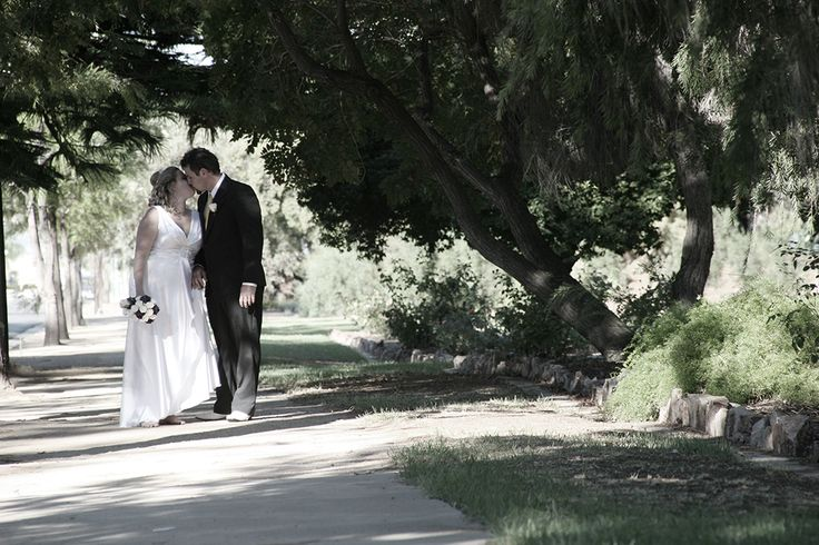 Shannon and Ellice. A beautiful Port Pirie wedding in 2011.