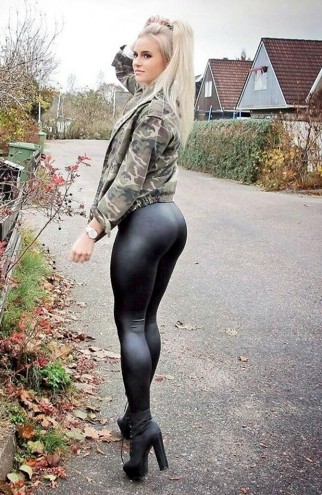 Sexy sluts in leggings