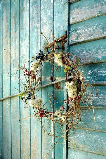 simple autumn wreathWeather Wood, Blue Doors, Colors, Painting Wood, Gardens, Aqua, Autumn Wreaths, Flower, Old Barns