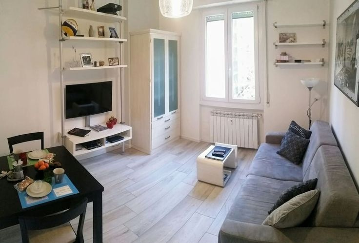 Квартира в Милан, Италия. This private room is part of my cosy and design flat, located in a quiet and well served area near City Fiera, with 2 tram lines leading to Duomo, Navigli, Aulenti square, Brera, Arco della Pace and 2 metro lines. A kit with map & info is availabl...
