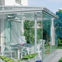 KF25 - posuvno-rotačný bezrámový systém ideálny na zasklenie nevykurovaných miestností ako sú terasy a zimné záhrady.
