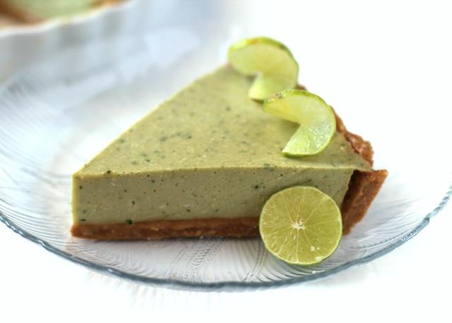 Healthy No-Bake Coconut Key Lime Pie | Recipe