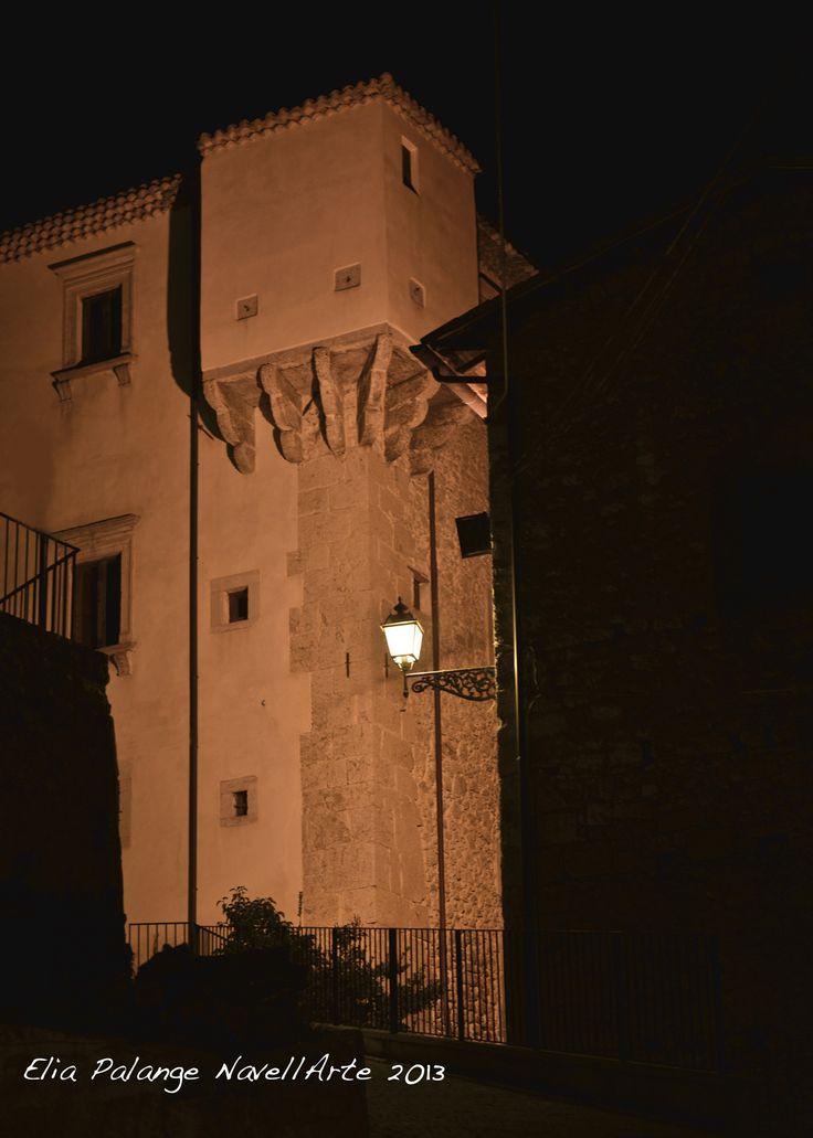 Verso il Rinascimento: il palazzo baronale, noto come Palazzo Santucci