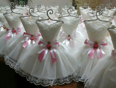 Vestidos  sachês  perfumados . Lembrancinha  para  aniversário  tema  Atelier.
