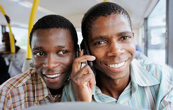 http://www.un.org/africarenewal/sites/www.un.org.africarenewal/files/27_1_mobile_change_a.jpg
