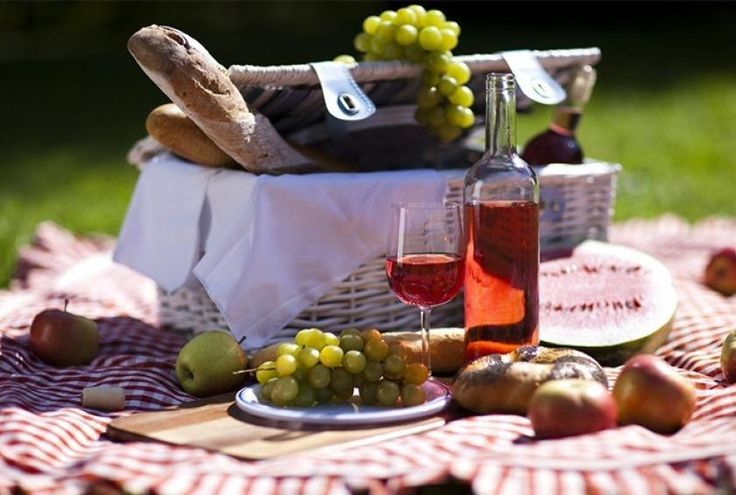A Romantic Picnic for two. What to bring and to bring