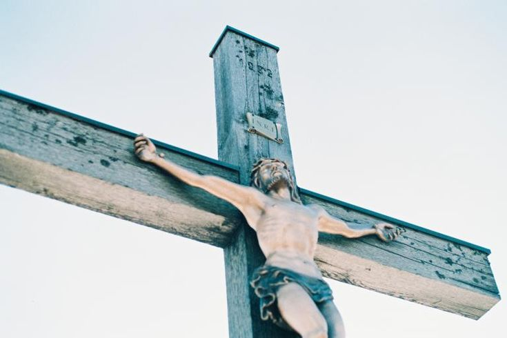 We continue our journey through Lent with a new approach to Lectio Divina that I callLectio Divina Diligens. Click on the link to read about this idea, if you're not familiar with it. Today let's look at the second reading for the Third Sunday in Lent: the Epistle Reading, 1 Corinthians 1:22-25. Lectio —reading Brothers …