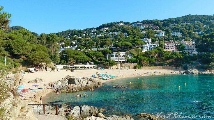 The beach of Sant Francesc is known to the locals of Blanes as Cala Bona -- Beautiful beach.  It is well away from the tourist district, and takes some determination to get to.  But the trip is well worth it, as this is easily Blanes' most beautiful beach.