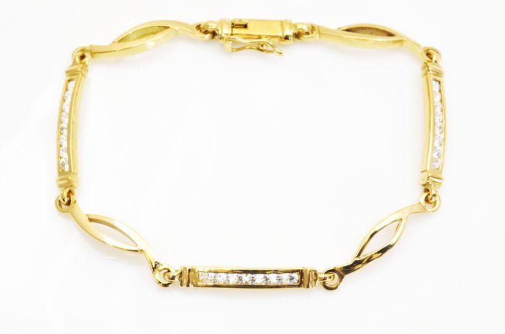 New ideas for #sanvalentin ! #happythursday #fashion #jewelry http://www.joyeriaruescas.com/es/pulseras/67-puls-mn295-circ.html